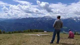 ASH 26, 405 cm Spannweite, am Gaugen 2016 hart gelandet