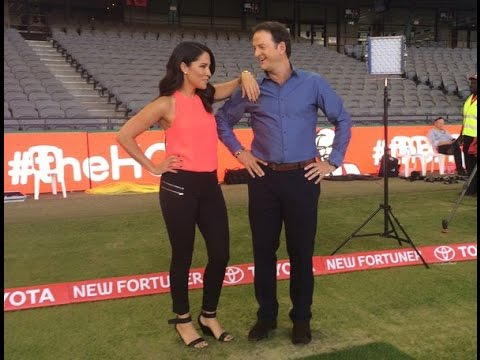 Mel McLaughlin Offer Drink To Mark Waugh