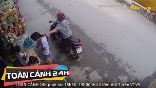 Camera ghi lại cận mặt tên cướp giật dây chuyền người mua hàng | Toàn cảnh 24h
