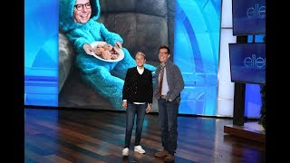 Sean Hayes Helps Ellen with Her Monologue