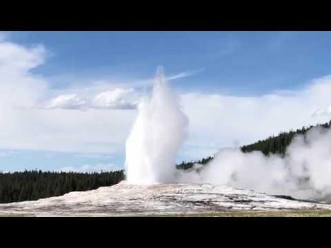 Old Faithful Geyser||Yellowstone National Park, United States