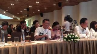 Mr Đàm vỗ tay sau khi Phương Thanh phát biểu