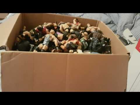 Giant WWE elite figure unboxing/unpackaging!