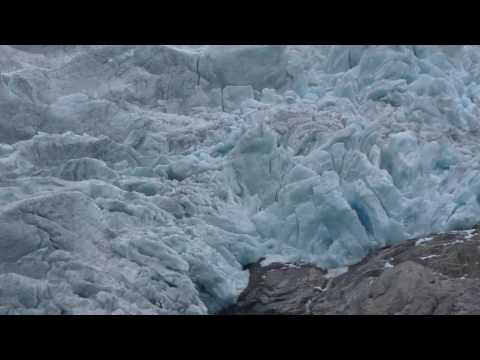 4K Norway – Briksdal Glacier Ultra Close Up (Briksdalsbreen)