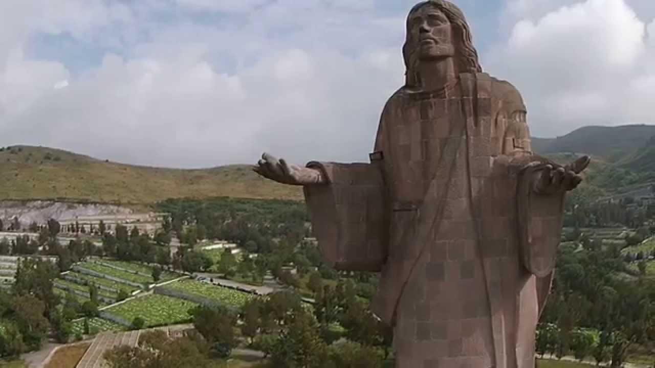 Video dron jardines del recuerdo cementerio tlalnepantla for Jardines mexico