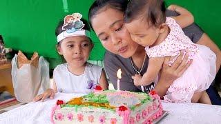 Video perayaan ulang tahun bayi lucu shanti ke 1- baby first birthday party download MP3, 3GP, MP4, WEBM, AVI, FLV Agustus 2017