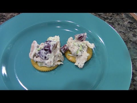 CHICKEN SALAD (with Grapes)