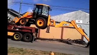 CLARKE  N ACT ON With JCB Backhoe