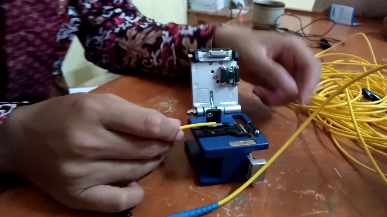 Cara membuat kabel fiber optik dengan connector SC - YouTube