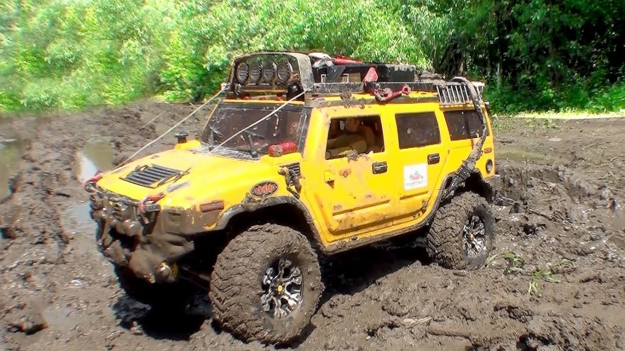 rc off road hummer h2 vs land rover defender d90 4x4 mud truck youtube. Black Bedroom Furniture Sets. Home Design Ideas
