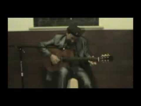 MAYUTO CORREA on Giannini USA guitar CDR-PRO THIN CEQ
