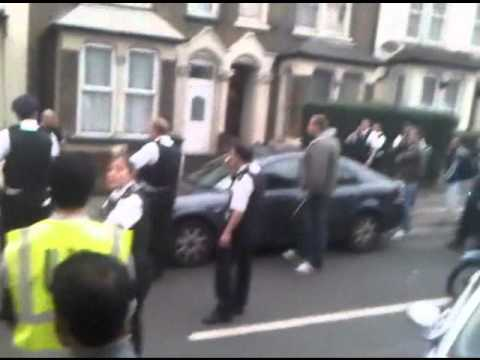 a whole police station vs 1 man leyton