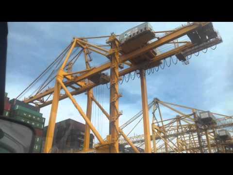 Khor Fakkan Port UAE  Ship Loding Unloding 3