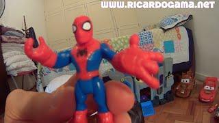 Repeat youtube video Spiderman  X Duende Verde Green Goblin Marvel Hulk Superman Relâmpago McQueen Toys Juguetes Kids