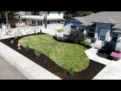 Landscape Makeover Part 4: Planting Some Summer Color & Mulching! 🌸🙌// Garden Answer