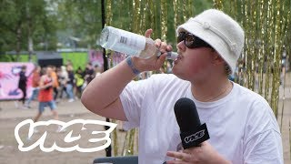 Stuntkabouter met Bokoedro vs. Rarri Jackson in de VICE Festivalquiz