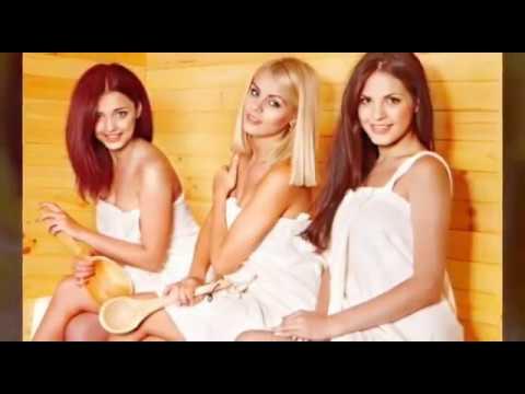 Красивые девушки отдыхают в сауне