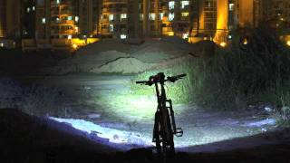 Inton 900+ lumen bike light  - Cree XM-L T6  3.7V 8ah