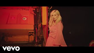 Alice on the roof - Malade (Clip officiel)