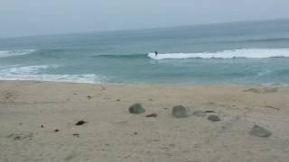 サーフィン 初心者6年目とベテランサーファーのテイクオフ