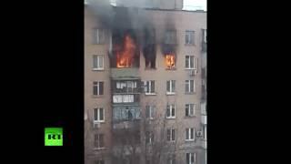 Женщина упала с восьмого этажа горящего дома на востоке Москвы