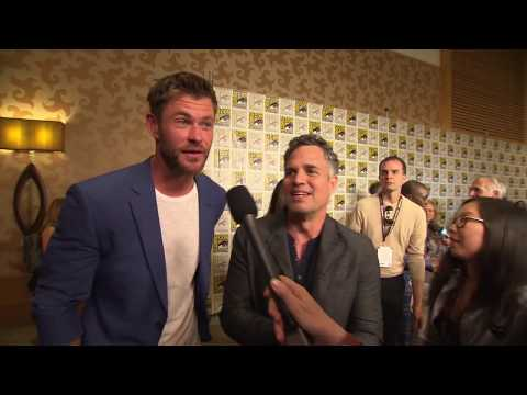 Thor: Ragnarok: Chris Hemsworth & Mark Ruffalo Comic-Con 2017 Movie Interview