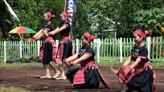 Tari Dayak Kalimantan