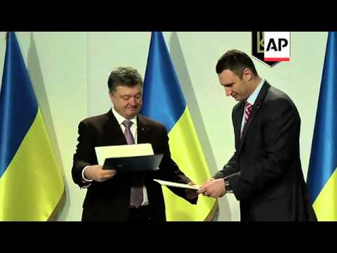 Klitschko backs billionaire Poroshenko for Ukraine president, rival Tymoshenko speech