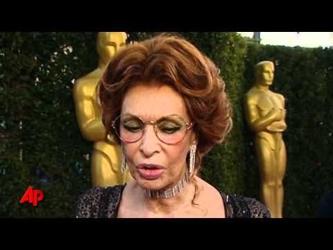 Hollywood Honors Screen-legend Sophia Loren - YouTube