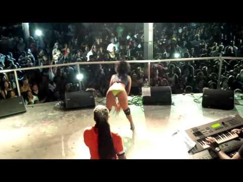 MACHEL MONTANO *LIVE* IN ATLANTA (May 26th 2013) BEND OVER