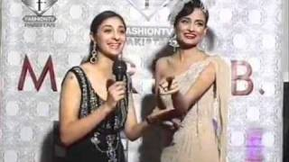 Maleeha Naipaul With Mehreen Syed On The Red Carpet Videos, Watch Free Maleeha Naipaul With Mehreen Syed On The Red Carpet Videos Online   IN com