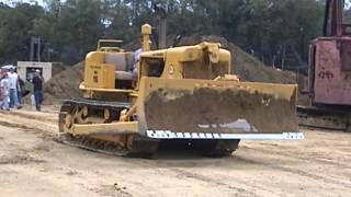 Repeat youtube video HD-16 Allis-Chalmers with some mechanical problems at HCEA meet. 8/11/2012