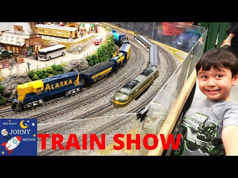 Johny Visits New Jersey Train Show With NJ Transit Trains & Lionel Trains