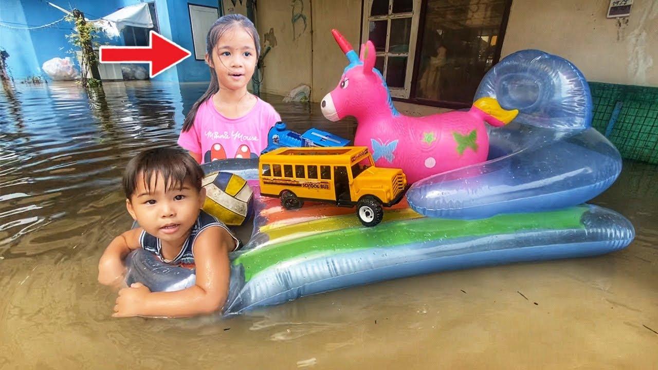 บริ้งค์ไบรท์ | น้ำท่วมบ้าน EP.4 ตอนใส่เสื้อชูชีพว่ายน้ำ หาของเล่นที่จมน้ำ