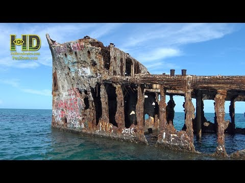 Wrecks and lobsters - BAHAMAS