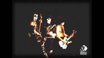 Kiss live in Hamburg on May 24, 1997