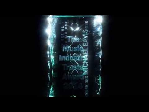 Michael Eavis honoured with MITS Award, 3 November 2014