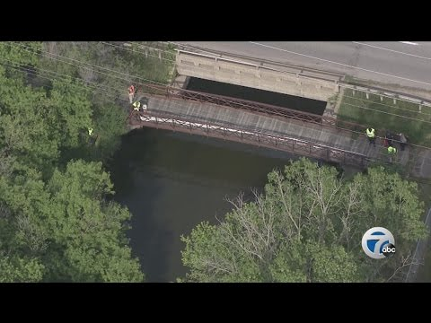 Fuel spills into Clinton River in Auburn Hills; Traveled into Rochester Hills
