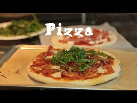 recette-facile-des-pizzas-maison-(pâte-et-garniture)