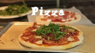 Recette facile des pizzas maison (pâte et garniture)