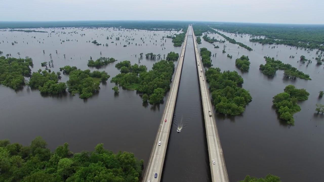 Lái Xe Xuyên Bang - nước Mỹ và những cây cầu gây sửng sốt -XinhTV