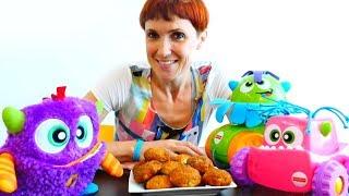Маша Капуки и Машинки монстры готовят печенье для детей.