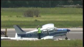 Vliegtuigje crasht op vliegveld Maastricht