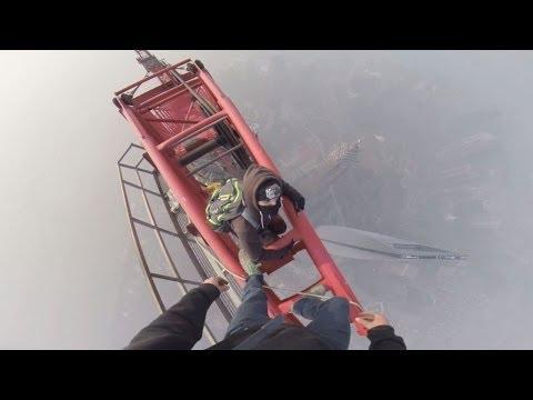 Ungesichert auf dem Shanghai Tower