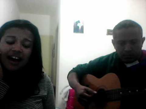 Mooniik cantando musica de Claudinho e bochecha