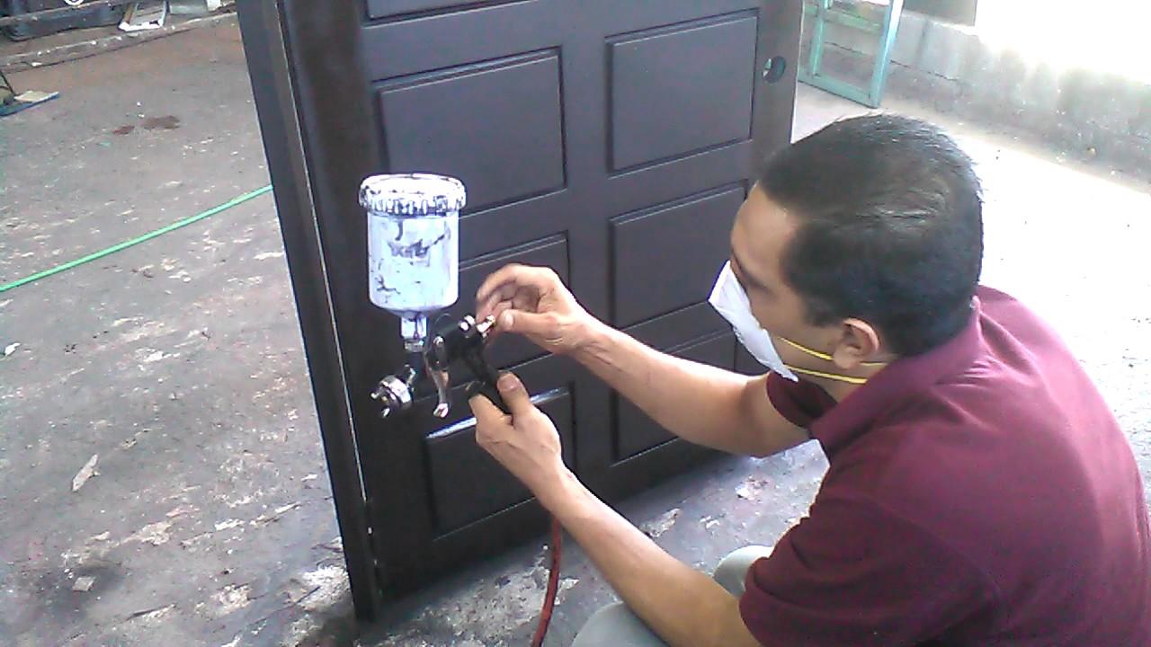 17 como pintar correctamente una puerta moderna youtube for Como pintar una puerta