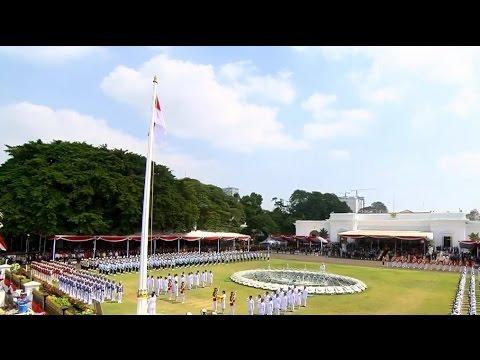 Upacara Penurunan Bendera HUT ke-71 Republik Indonesia