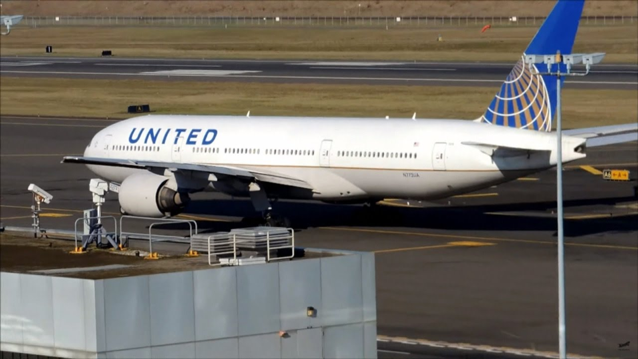 United Airlines Stands By Decision to Ban Certain ...