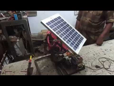 Mechanical engineering students projects- Maximum power solar panel tracking system.