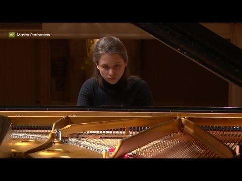 Marina Yakhlakova - Schubert. Andante poco mosso (D.845, mv.II)